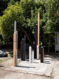 <p><em>A semaphore or maybe just an accident (with bins),</em> 2019<br /> Body Splits, SALTS, CH<br /> Image: Gunnar Meier Photography</p>